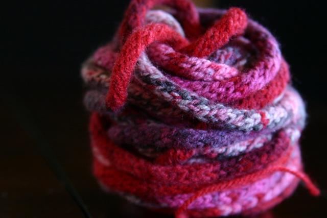 Spool knitting - Wikipedia, the free encyclopedia